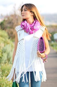 trying to find the pattern for this macrame vest: Macrame Dress, Macrame Art, Macrame Projects, Macrame Knots, Micro Macrame, Macrame Necklace, Macrame Jewelry, Macrame Chairs, Fashion Bubbles