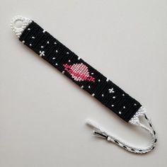 Alpha friendship bracelet pattern added by Sharkmoon. Diy Bracelets Easy, Thread Bracelets, Embroidery Bracelets, Summer Bracelets, Bracelet Crafts, Cute Bracelets, Loom Bracelets, Macrame Bracelets, Handmade Bracelets