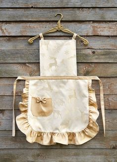 Golden Christmas Apron for Women, Festive Women's Apron, Shiny Deer on Golden Background with Ruffle Christmas Aprons, Red Christmas, Hat Crafts, Personalized Aprons, Cute Aprons, Sewing Aprons, Apron Designs, Aprons Vintage, Gifts For Mom