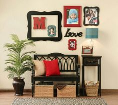 I am really coming around to this red accent at our place... I love this for our entry way.