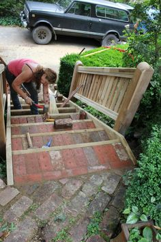 Making Garden Steps   Red Brick And Wood