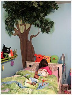 Decorative storage update for a little girl's room | laughingabi.com