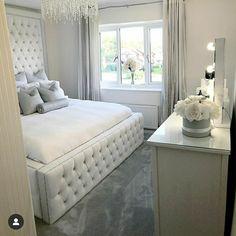 Luxury Bedroom Design, Room Design Bedroom, Room Ideas Bedroom, Home Room Design, Home Decor Bedroom, Bedroom Decor For Teen Girls, Dream House Interior, Stylish Bedroom, Aesthetic Bedroom