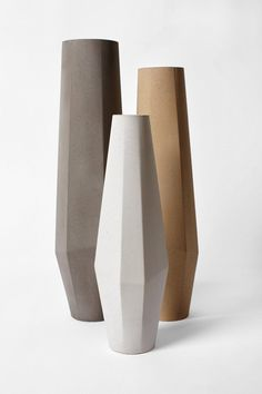 Set of three Marchigüe vases in different colors. Each vase is entirely handmade, worked from the raw material, concrete, into a finely crafted unique object. The design process boasts simplicity and purity of form, lending a contemporary aesthetic. Beton Design, Keramik Design, Concrete Art, Concrete Design, Concrete Planters, Ceramic Pottery, Ceramic Art, Keramik Vase, Paperclay