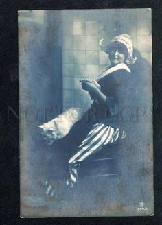027691 Knitting Lady w/ White CAT. Vintage Photo PC