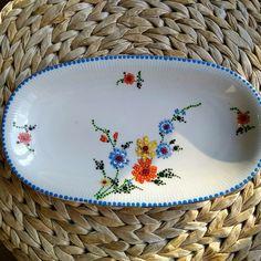 Dots on vintage porcelain