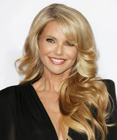 Christie Brinkley on her new skin-care line, Christie Brinkley Authentic Skincare. Christie Brinkley Skin Care, Blonde Hair Models, Red Brown Hair, Dark Hair, Ageless Beauty, Aging Gracefully, Cut And Color, Beauty Hacks, Beauty Tips
