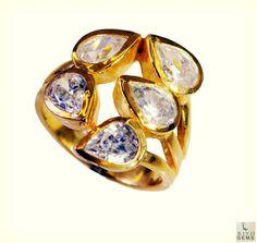 #원석 #victoria #charms #pitbull #emeral #weddingaccessories #riyo #jewelry #gems #handmade #copper #ring #whitecz #white #photography #valentines #still #bandung #facebook
