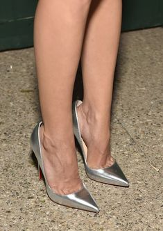 Aubrey Plaza (fashion detail) attends Claiborne Swanson Frank's Young Hollywood book launch hosted by Michael Kors at Private Residence on October 2014 in Beverly Hills, California. Sexy Legs And Heels, Hot Heels, Sexy High Heels, High Heels Stilettos, Womens High Heels, Stiletto Heels, Christian Louboutin, Beautiful High Heels, Killer Heels