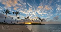 Hawaii sunrise with scattered cloud pattern by froggyshootsraw