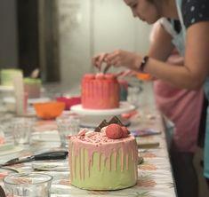 Taart bestellen bij Zoet aan de Werf in het cenrum van Utrecht Utrecht, Cupcakes, Desserts, Cupcake, Deserts, Dessert, Postres, Cupcake Cakes, Cup Cakes