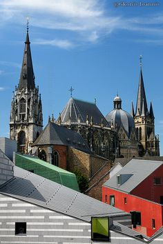 Kaiserdom Germany - a great view of the Aachen Cathedral.