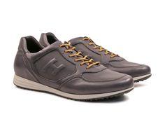 Luxury designer shoes outlet online Up to Men's Sneakers, Leather Sneakers, Man Shoes, Shoes Outlet, Shoe Brands, Designer Shoes, Rebel, Gentleman, Men's Fashion