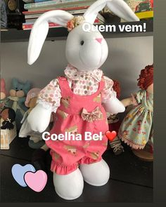 Mouse Crafts, Bunny Crafts, Easter Crafts, Sewing Crafts, Sewing Projects, Sans Art, Diy Ostern, Cat Sweaters, Sewing Dolls