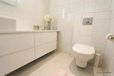 Coconut White: White bath
