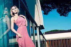 scarlett johanson in a beautiful pink dress by Mango