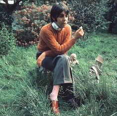 What makes a man stylish? So asked a 1969 Observer piece by Barry Lategan, who looked to the Beatles' Paul McCartney for an answer . Paul Mccartney, Ringo Starr, George Harrison, John Lennon, Liverpool, Bug Boy, What Makes A Man, Les Beatles, Beatles Meme