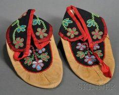ojibwe moccasins circa 1900