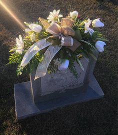 Grave Decorations, Headstone Saddle, Cemetery Flowers, Flowers for Grave, Cemetery Saddle, Memorial Saddle, Spring Cemtery Flowers Size: 20 inches long, 15 inches Tall and 15 inches wide. *Comes guarded with a UV spray that will extend the life of your purchase! This is a