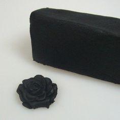 Ottenere la Pasta di zucchero nera o…un cioccolato plastico speciale