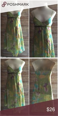 Wendy Hil Gorgeous Summer Floral Dress Sz 4 Totally gorgeous dress Wendy Hil Dresses Midi
