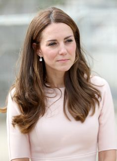 Kate Middleton Photos Photos - Catherine, Duchess of Cambridge visits Nansledan, a 218-hectare site that will provide future business and housing for the local area on September 1, 2016 in Newquay, United Kingdom. - The Duke