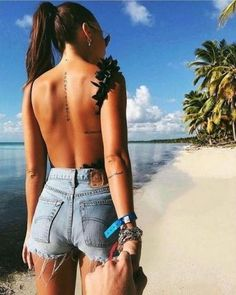 Back tattoos are among the sexiest place to get a body art, spine tattoos are fun and lovely. Tattoo Girls, Girl Spine Tattoos, Back Tattoo Women Spine, Hip Tattoos Women, Girl Tattoos, Female Spine Tattoos, Side Quote Tattoos, Peace Tattoos, Tatoos