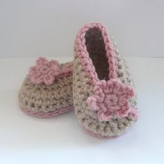 Crochet Baby Slippers Crochet Newborn Baby Shoes Design with Chain and Free Crochet Baby Slippers Pattern Crochet Baby Slippers . Easy Crochet Pattern Baby Loafers Baby Booties Crochet 30 Crochet Baby Booties Ideas for Your Little Prince. Crochet Booties Pattern, Baby Booties Free Pattern, Baby Shoes Pattern, Newborn Crochet, Crochet Baby Booties, Baby Patterns, Crochet Patterns, Slippers Crochet, Baby Ballet Shoes