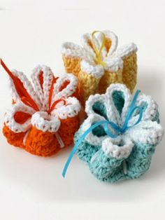 Free Crochet Ribbon Flowers Dishcloths Pattern