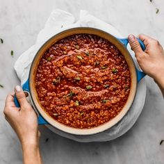 Salsa boloñesa (bolognesa) legendaria de mi tía | Cravings Journal Beste Bolognese Sauce, Slow Cooker Bolognese Sauce, Homemade Bolognese, Vegan Bolognese, Easy Pasta Sauce, Potato Pasta, How To Peel Tomatoes, How To Cook Eggs, Sauce Recipes