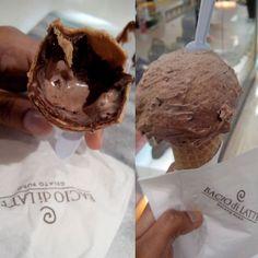 Sorvete? Casquinha? .. Não, não, eu chamo de A OBRA DIVINA  .. Se no céu tiver sorvete, tenho certeza que é esse M A R A V I L H O S O ... (Alimentando um pequeno vício) ❤ #BoaNoite #Now #Instafood #Sorvete #Casquinha #Ciocchino #Gelato #Chocolate #Nutella #IceCream #Perfeito #amomuito #baciodilatte #Top #Love #Happy #vicio #NoFilter #instagoodnight #TheBest