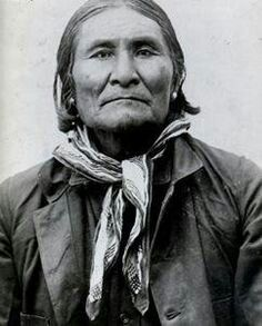 """""""Geronimo"""" by Barbara Ping Geronimo was a Bedonkohe [Chiricahua] Apache who lived in the """"Southern Four Corners"""" region (southeastern Arizona, southwestern New Mexico, northwestern Chihuahua, Native American Warrior, Native American Images, Native American Tribes, Native American History, American Indians, Apache Indian, Native Indian, Geronimo, Photo Portrait"""