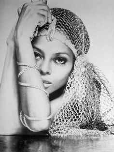 Working her famous bedroom eyes... | 26 Photos Proving Diana Ross Invented The Concept Of Fierce