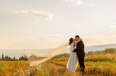Приказната сватба на Славена и Спас! Прекрасна сватба, страхотни младоженци, приказна следсватбена фотосесия... Мечтата на фотографа!