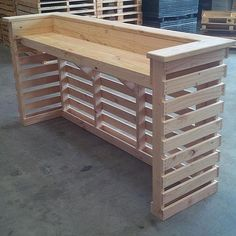 furniture projects Wooden Pallet Projects Pallet bar furniture project - Vertical Pallet ideas are designed for compact spaces to get more advantages of wooden pallets. They are equally designed for home interior and outdoor ideas. Wooden Pallet Projects, Wooden Pallet Furniture, Woodworking Furniture, Diy Woodworking, Wood Pallets, Woodworking Skills, Rustic Furniture, Modern Furniture, Garden Furniture