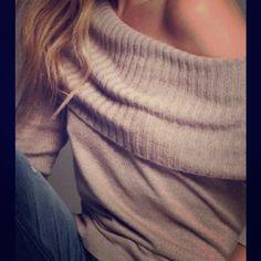 Express 3/4 sleeve sweater Worn. Size M Express Sweaters Cowl & Turtlenecks