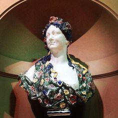 Hair goals . . .  #bluehair #flowercrown #rococco #louvremuseum #tb #primavera #historicalhipster