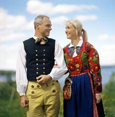 A folk-dancing couple from Dalarna
