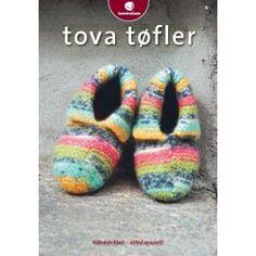 Klikk for å forstørre - Hello Yoga Socks, Black Friday, Projects To Try, Arts And Crafts, Slippers, Knitting, Crochet, Handmade, Felting