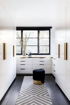 7 Stunning Master Walk-In Closets to inspire you next home remodel project! Dream big! Walk In Closet Design, Closet Designs, South Shore Decorating, Building A New Home, Mirror Door, Master Closet, Home Reno, Next At Home, Cool Wallpaper