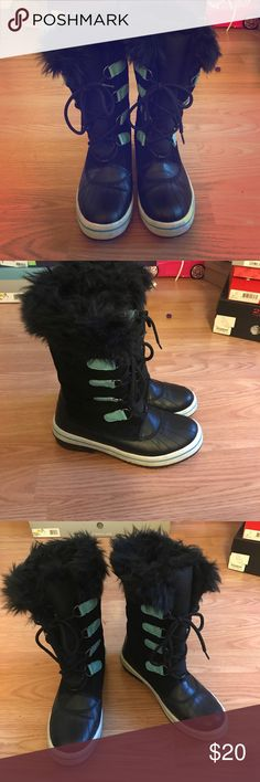 Snow Boots Snow boots worn very few times Shoes Rain & Snow Boots