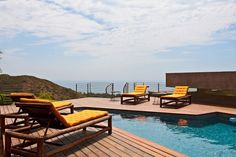 Luxurious-Hilltop-Bridge-House-in-Malibu-pool Malibu's View of the Ocean – Find Out New Way for Relaxation - See more at: http://www.homevselectronics.com/malibus-view-of-the-ocean-find-out-new-way-for-relaxation/#more-2712