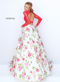 Sherri Hill 50261 back of skirt