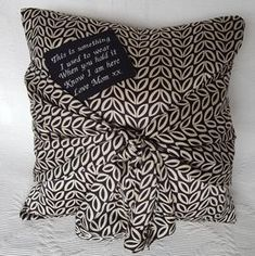 gorgeous memory cushion made from a lost family members shirt Diy Sewing Projects, Sewing Hacks, Sewing Ideas, Sewing Tips, Memory Pillows, Memory Quilts, Memory Crafts, Save On Crafts, Cushion Inserts