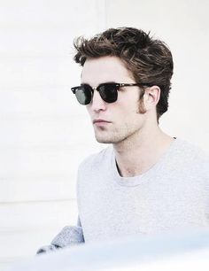 541bc9e28287e I love his sunglasses Robert Pattinson Movies