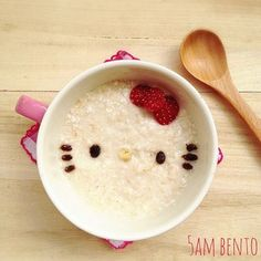 25 Hello Kitty Foods That Are Almost Too Adorable To Eat Bento Recipes, Baby Food Recipes, Macaroons, Milkshake, Cute Food, Yummy Food, Chocolate Caliente, Hello Kitty Items, Cupcakes