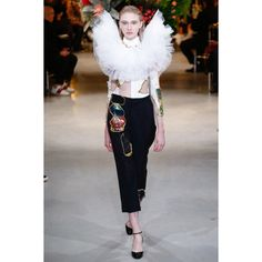 Viktor & Rolf #VogueRussia #couture #springsummer2017 #ViktorRolf #VogueCollections
