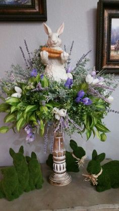 Splendid Easter Flower Arrangements And Floral Decor Ideas 18 - The earliest form of flower arranging begins with the ancient Egyptians and dates back as far as B. This is illustrated with the carved stone . Easter Flower Arrangements, Easter Flowers, Floral Arrangements, Easter Crafts, Easter Decor, Easter Centerpiece, Easter Parade, Easter 2020, Easter Table Settings