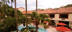 Hotel Clarión Copán, se encuentra ubicado a tan solo 2 kilómetros del Parque Arqueológico y el sitio las Sepulturas y a tan solo 5 kilómetros de la ciudad de Copán Ruinas.