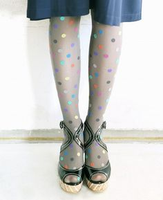 I was just going to comment on the fab tights in this pic, but I can't pass up the opportunity for a PSA: DO NOT WEAR TIGHTS/HOSE WITH OPEN/PEEP TOE SHOES!